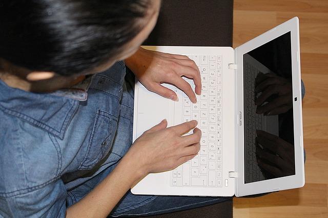 laptop-618172_640